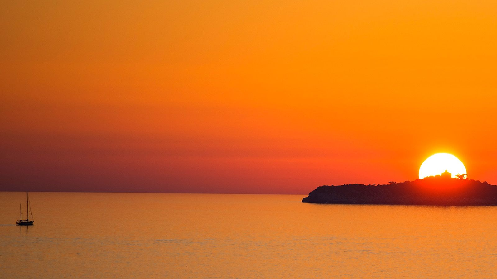 The sunset over the Lokrum island